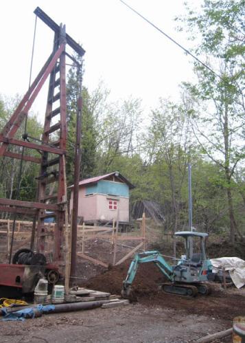 井戸を掘る工事